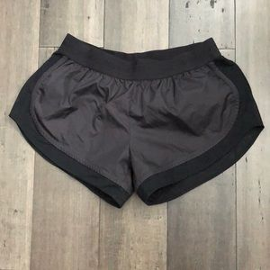 Stella MCCartney shorts with mesh lining XS